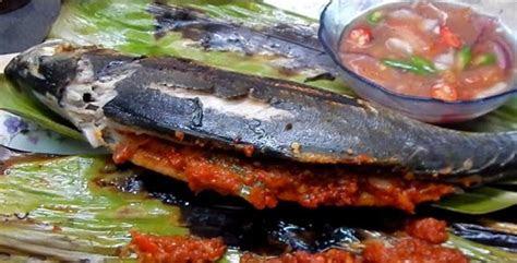 resepi ikan cencaru bakar sumbat sambal kelapa myresipi