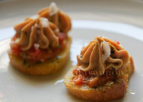 pintxo de tomate y mousse de micuit