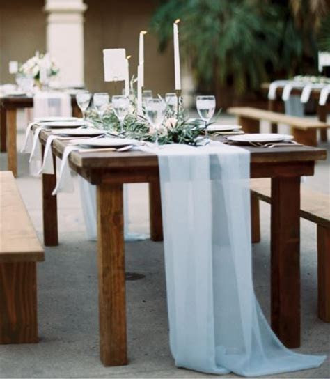 Best 25  Romantic wedding decor ideas on Pinterest