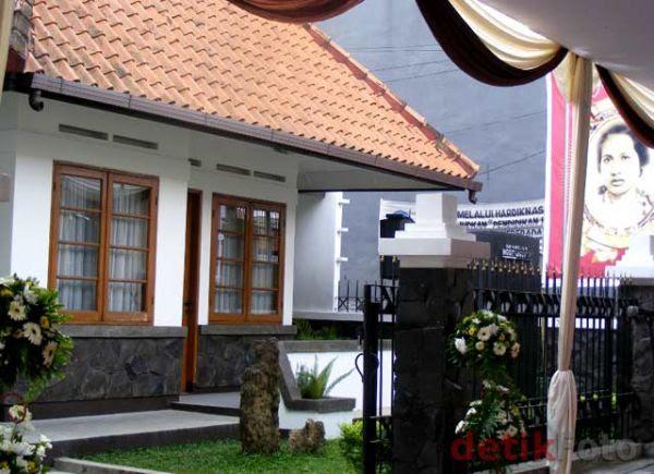 45 Foto Desain Rumah Belanda Di Indonesia Paling Keren Download