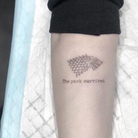 Sophie Turner Admite Que Su Tatuaje De Juego De Tronos No Fue Buena