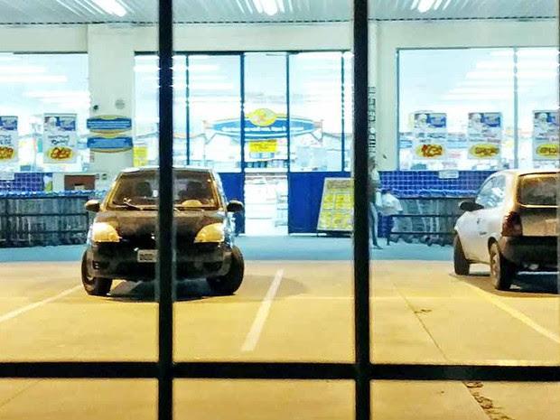 Supermercado fica na região central da cidade (Foto: Luiz Henrique/Mix Vale)