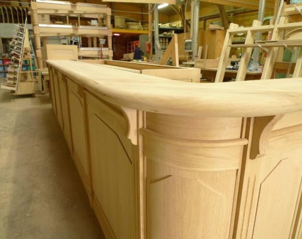 arredamenti bar in legno su misura