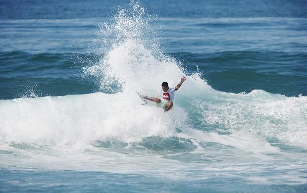 Filipe Toledo surfe França (Foto: Divulgação)