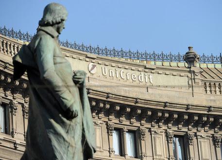 La sede di Unicredit in piazza Cordusio a Milano © ANSA