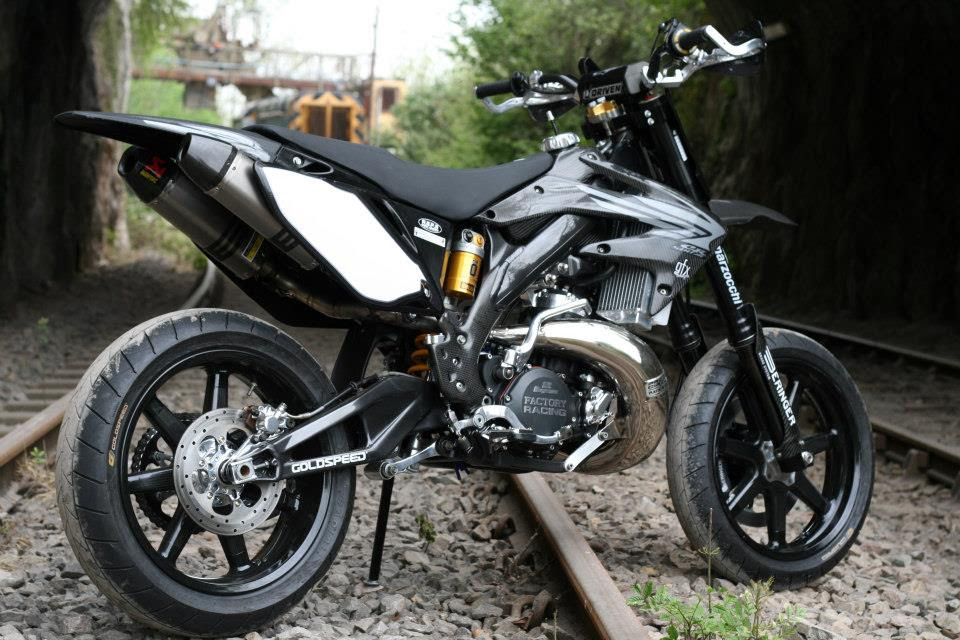 The Taffy Racing Black Diamond Honda Supermoto Autoevolution
