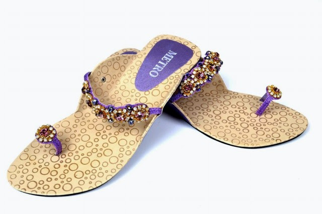 Girls-Womens-Beautiful-Formal-Flat-Shoes-Eid-Footwear-Collection-2013-by-Metro-Shoes-5