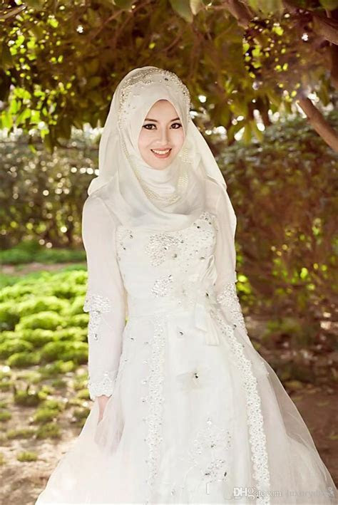 Fashion Collections: Hijab With Designer Wedding Gowns