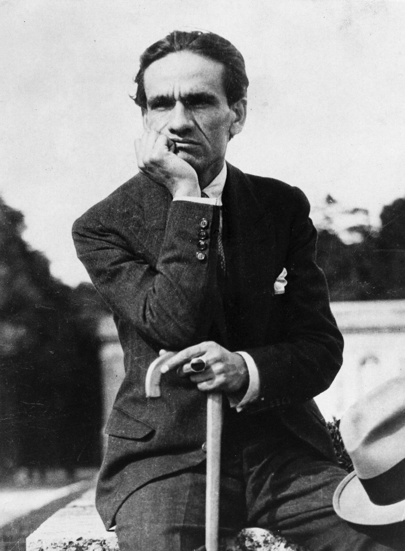 File:Cesar vallejo 1929.jpg