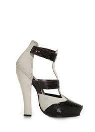 zapato alto blanco y negro