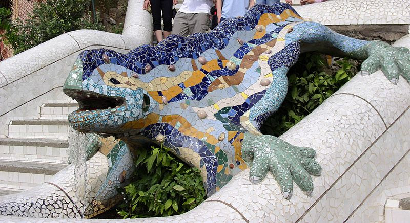 File:Reptil Parc Guell Barcelona.jpg