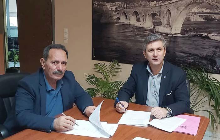 Άρτα: Υπεγράφη η σύμβαση για επισκευή δημοτικών καταστημάτων