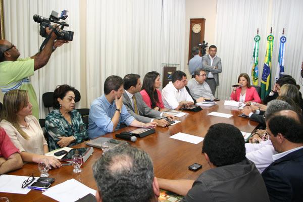 Problemas começaram na gestão de Micarla de Sousa, que teve dificuldades para pagar salários