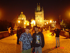 Malam di Charles Bridge, Prague, Czech Republic