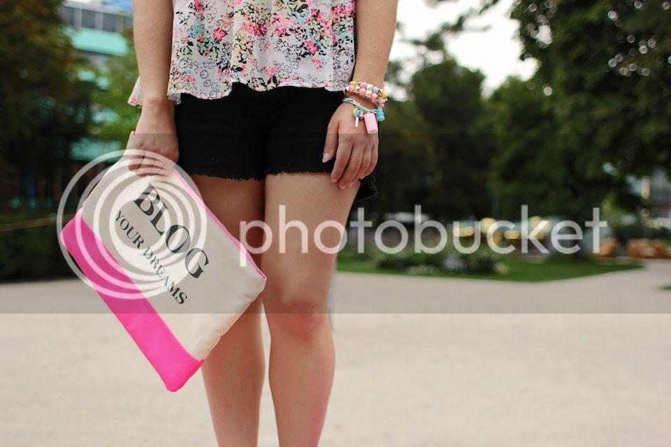 fashion blogger Austria Argentina Carmen Steffens primark neon pink outfit bershka