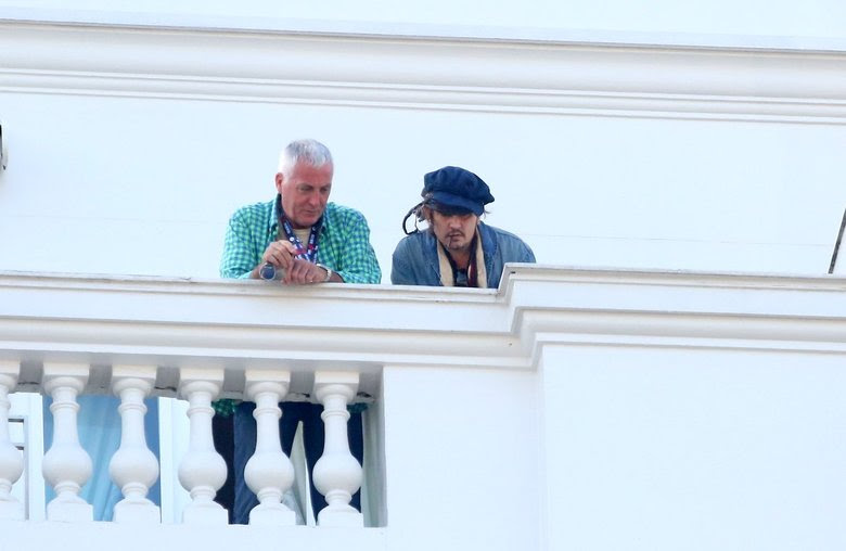 Depp está no Brasil para participar de um evento musical