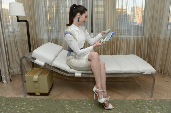 Emmy Rossum - Emmy Rossum Hangs Out at the London Sky Suite