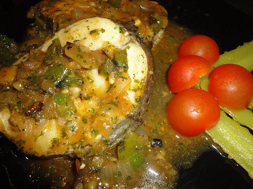 merluza en salsa de salsa de pimenton
