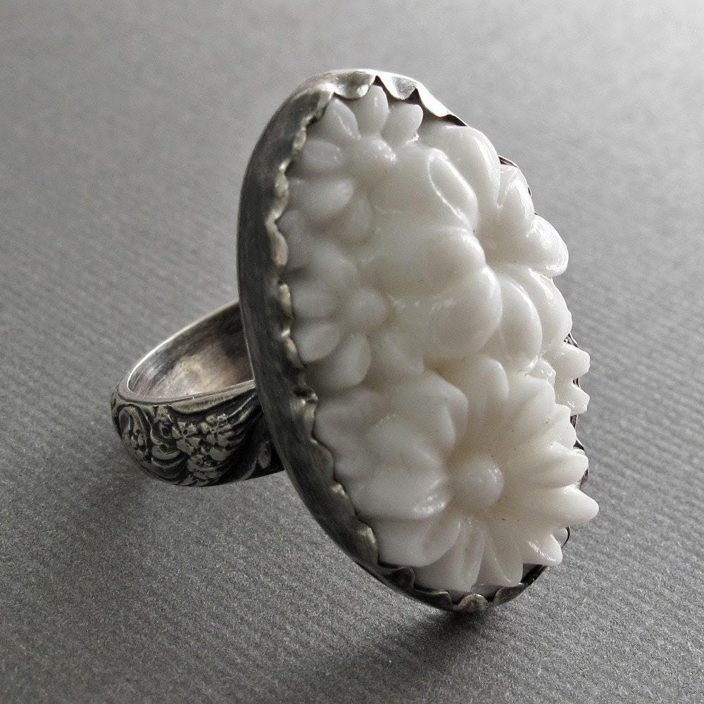 White Garden Ring
