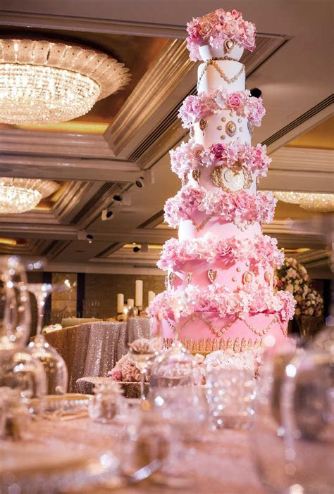 MARIE ANTIONETTE WEDDING CAKES MASTERPIECE   Elizabeth's