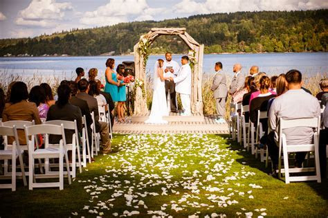 Perfect wedding picture idea. Best places to get Married