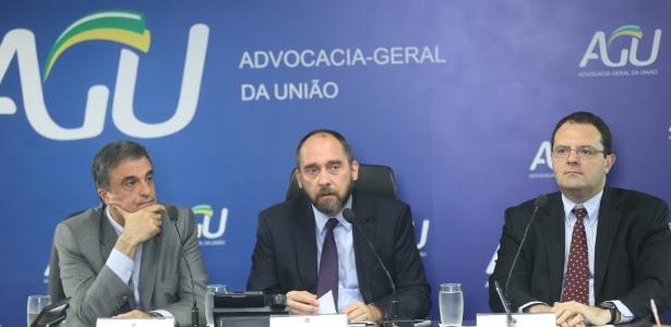 Da esq. para dir., José Eduardo Cardozo, Luís Inácio Adams e Nelson Barbosa