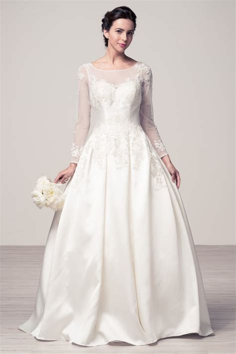 Wedding dress lace BATEAU NECK, LONG SLEEVE, A LINE ? Bela