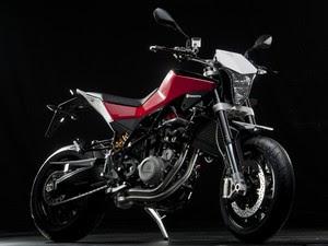 Nuda 900R tem características mais esportivas que a 900 (Foto: Divulgação)