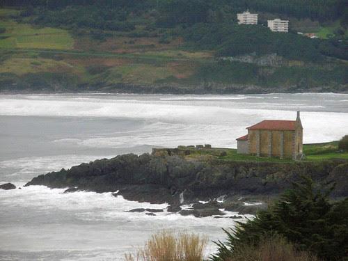 Mundaka gigante con olas de más de 4 metros