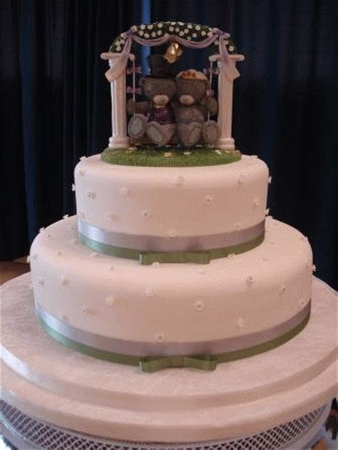 Iced Cake Decorating Gallery