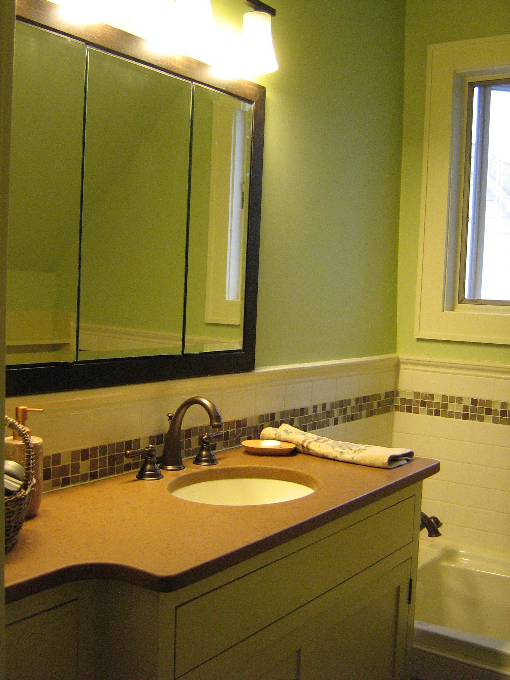 Glass Tile Bathroom Pictures - Lead home inspection