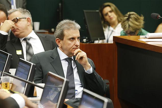 O doleiro Alberto Youssef durante acareação na CPI da Petrobras, na Câmara dos Deputados