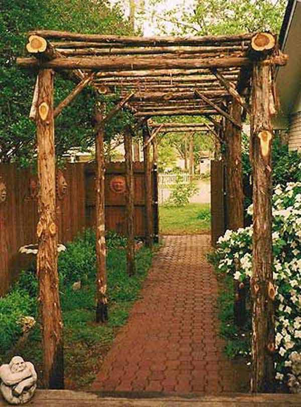 DIY-Backyard-Pergola-WooHome-23