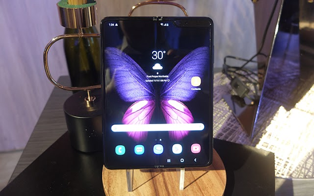 Smart outs postpaid plans for Samsung Galaxy Fold