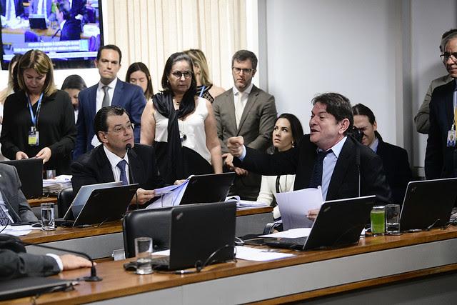O parecer de Cid Gomes foi alterado na CCJ do Senado para garantir que recursos não sejam usados em gastos de custeio que não geram crescimento econômico. Foto: Pedro França/Agência Senado
