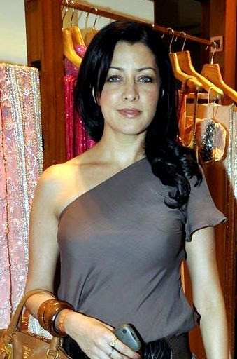Aditi Govitrikar Spicy Indian Model,Actress and Doctor very hot and sexy stills