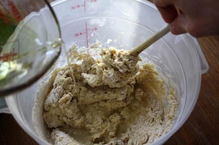 mixing-gluten-free-dough03