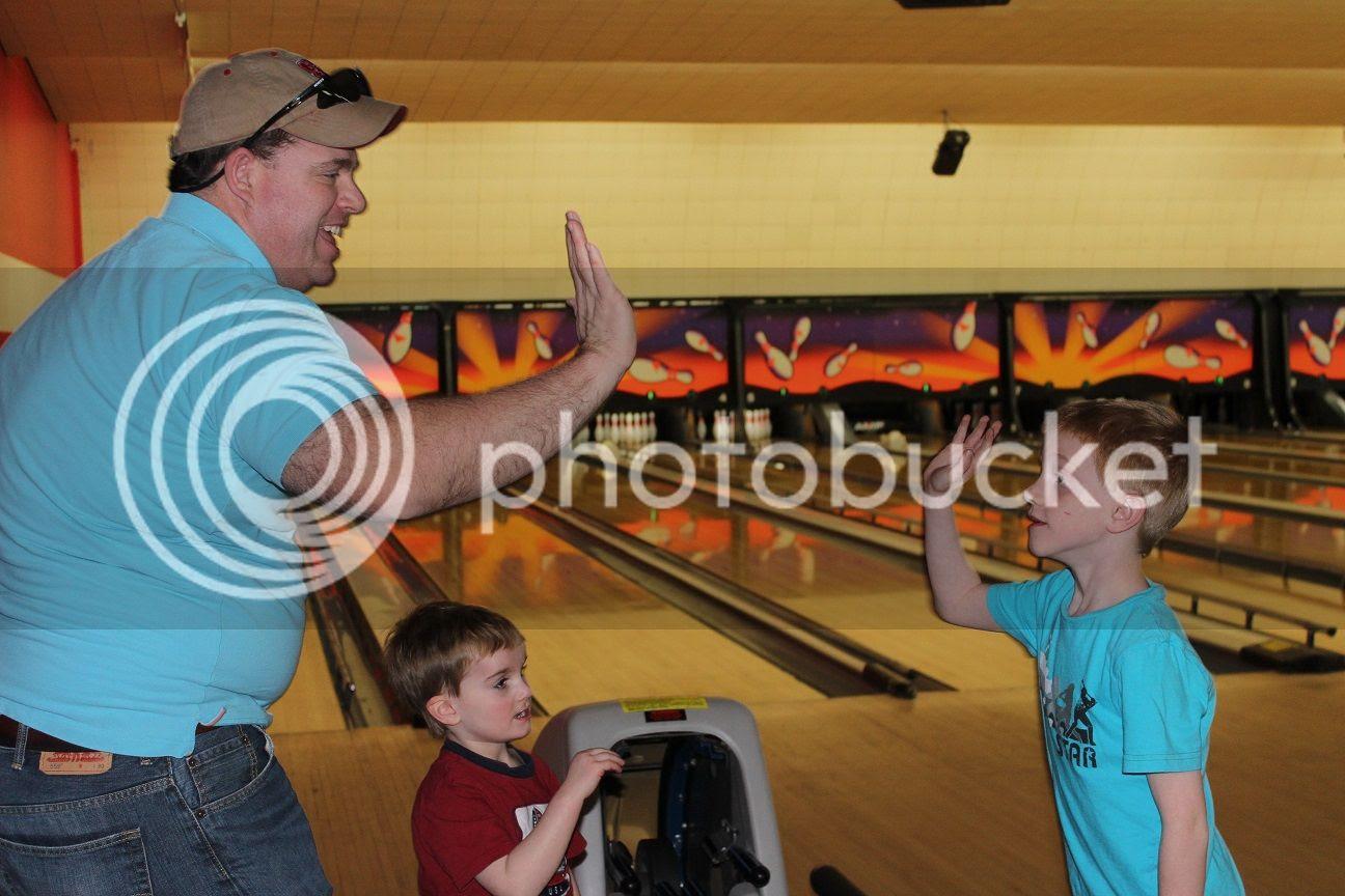 photo bowling11_zps1jucnkvu.jpg