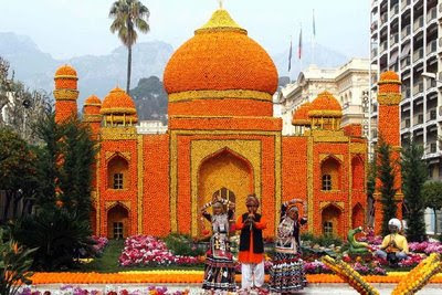 Tajmahal made out of oranges