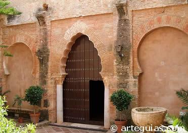 Muro mudéjar de la iglesia de Santa María de la Granada, de Niebla