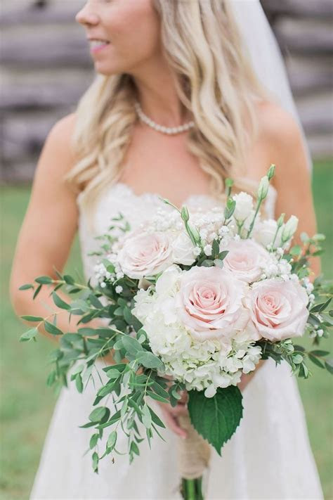 25  best Blush wedding bouquets ideas on Pinterest   Blush
