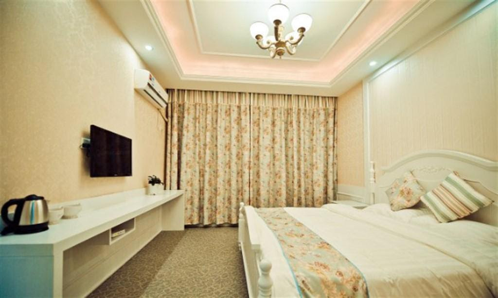 hotel near Jiaxing BEYOUND THE CLOUD STAY Private Apt BAROCCO near Wuzhen Xishan