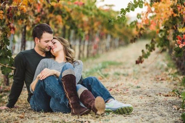 Herbst engagement in einem Weinberg wird Hinweis auf Ihre Hochzeit Veranstaltungsort
