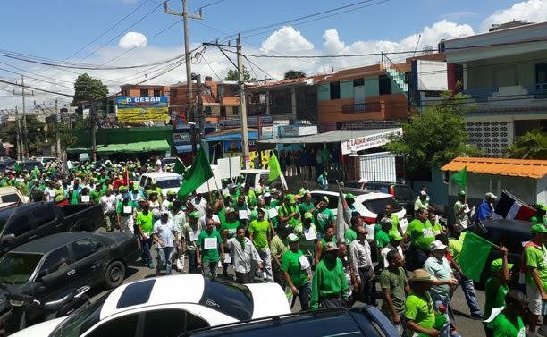 """""""Marcha Verde"""" reclama investiguen la financiación de campañas del Presidente"""