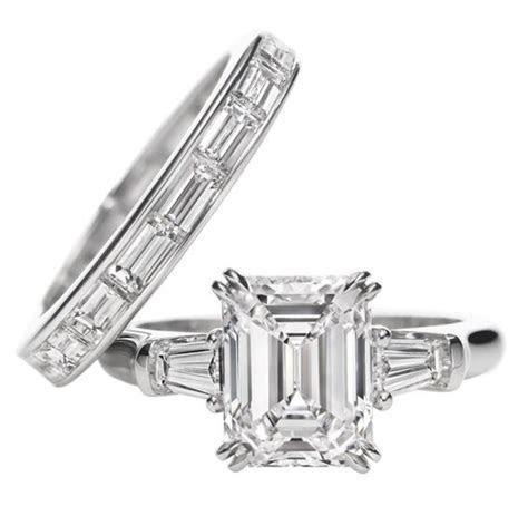 Harry Winston Classic Winston, Emerald cut Ring. Emerald