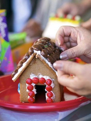 mini gingerbread house 7