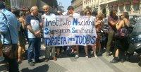 """Concentración organizada por Yo Sí Sanidad Universal contra el """"decreto de exclusión sanitaria"""".- S.F."""
