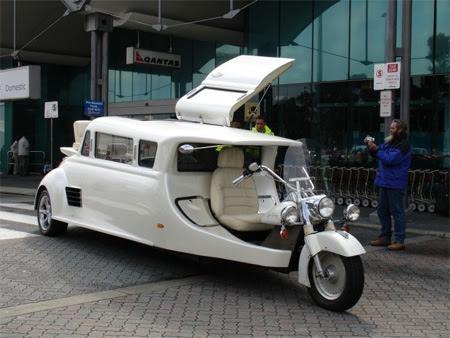 Limousine-wedding-bike