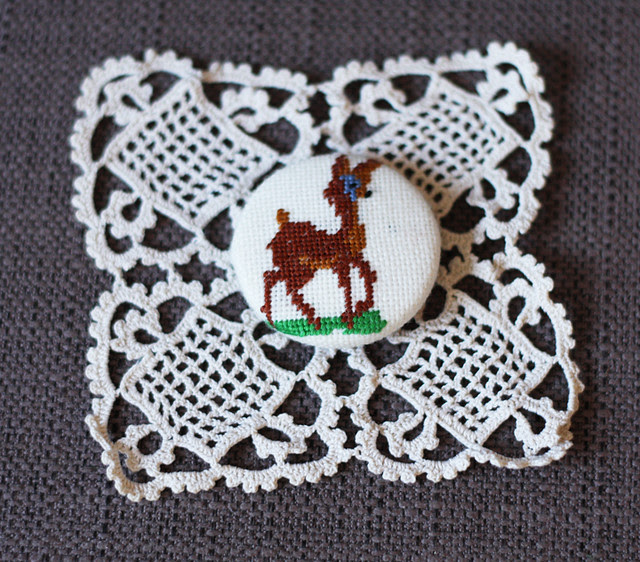 doily deer button
