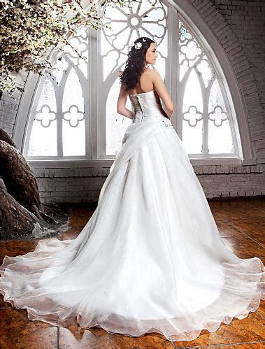 10 plus size wedding dresses under $500   Chatelaine